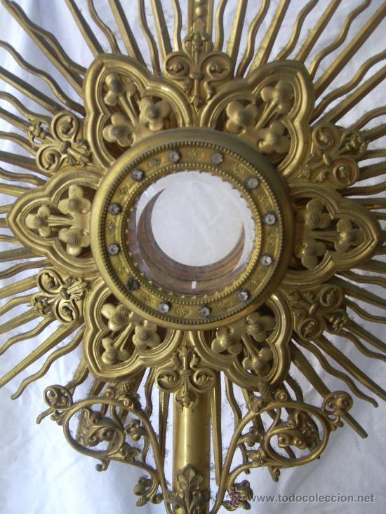 Antigüedades: Custodia / Sagrario/ Relicario, de bronce dorado. Siglo XIX. - Foto 3 - 30003510