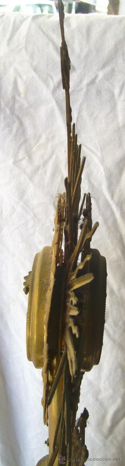 Antigüedades: Custodia / Sagrario/ Relicario, de bronce dorado. Siglo XIX. - Foto 5 - 30003510