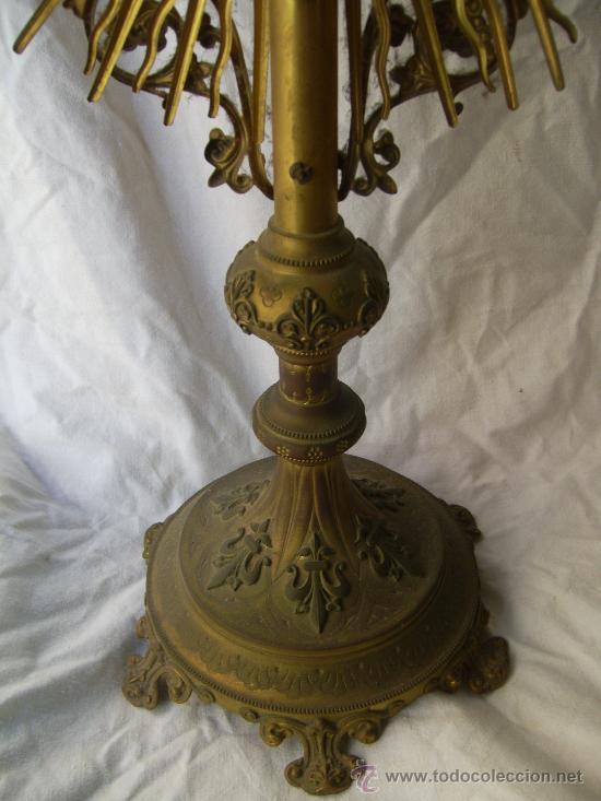 Antigüedades: Custodia / Sagrario/ Relicario, de bronce dorado. Siglo XIX. - Foto 10 - 30003510
