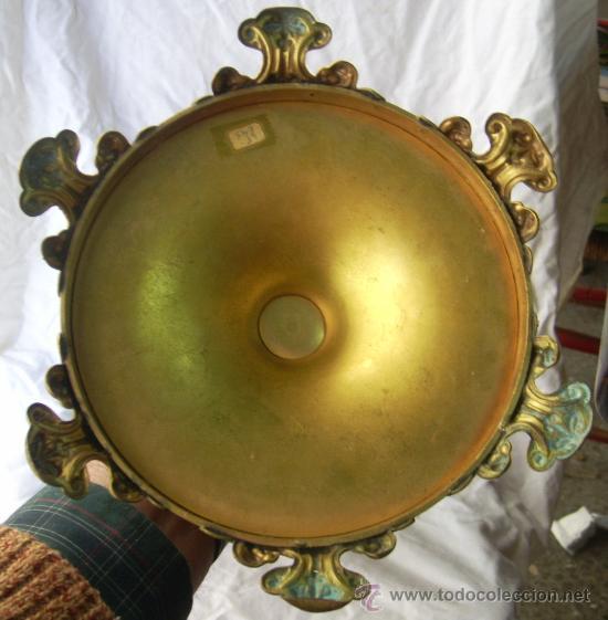 Antigüedades: Custodia / Sagrario/ Relicario, de bronce dorado. Siglo XIX. - Foto 11 - 30003510