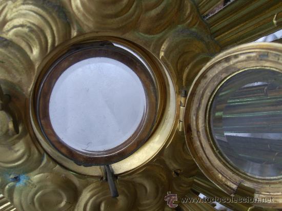 Antigüedades: Custodia / Sagrario/ Relicario, de bronce dorado. Siglo XIX. - Foto 9 - 30003602