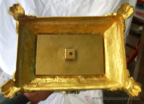 Antigüedades: Custodia / Sagrario/ Relicario, de bronce dorado. Siglo XIX. - Foto 16 - 30003602