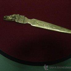Antigüedades: ANTIGUO ABRECARTAS DE 1915. METAL - BRONCE???. BELGICA. Lote 30014873