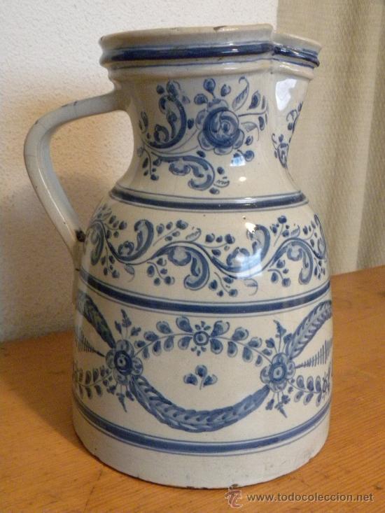 JARRA VINATERA ,CERÁMICA TALAVERA RUIZ DE LUNA CON ESCUDO FABRICA. (Antigüedades - Porcelanas y Cerámicas - Talavera)