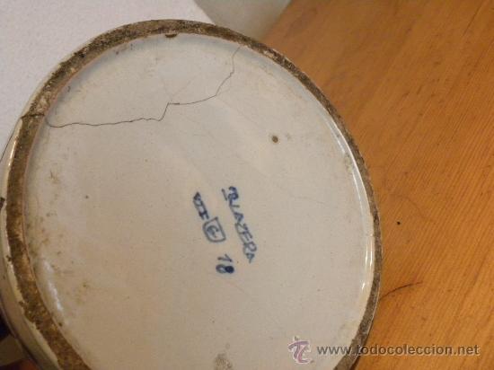 Antigüedades: Jarra vinatera ,cerámica Talavera Ruiz de Luna con escudo fabrica. - Foto 8 - 30062354
