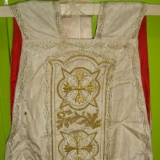 Antigüedades: CASULLA /APROXIMADAMENTE AÑO 1920, BORDADO EN HILO DE ORO. Lote 30115703