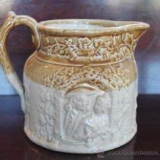 Antigüedades: JARRA INGLESA EN LOZA VIDRIADA CON MAGNIFICAS IMÁGENES EN RELIEVE - NUMERADA. Lote 30130141