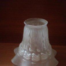 Antigüedades: ANTIGUA TULIPA DE LAMPARA COLOR OPACO. Lote 30176095