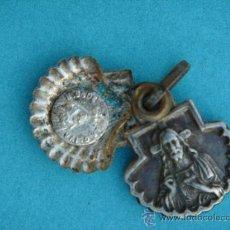 Antigüedades: RELICARIO MEDALLA ANTIGÜA (S. XIX) EN PLATA -V. DE LA OLIVA Y SAGRADO CORAZÓN-. DIM.- 1,4X2,1 CMS. Lote 30201955