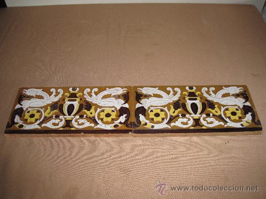 LOTE DE DOS AZULEJOS DE TRIANA. AZULEJO. (Antigüedades - Porcelanas y Cerámicas - Triana)