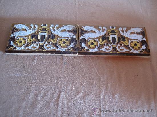 LOTE DE DOS AZULEJOS DE TRIANA / SEVILLA - DRAGONES - AZULEJO. (Antigüedades - Porcelanas y Cerámicas - Triana)