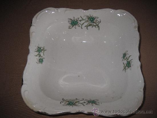 BANDEJA ANTIGUA DE PORCELANA ROYAL CHINA - VIGO. (Antigüedades - Porcelanas y Cerámicas - Otras)