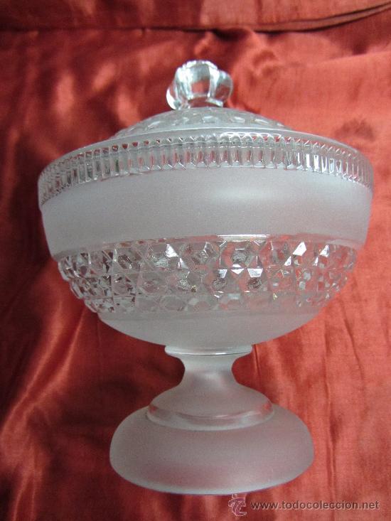 MAGNÍFICA BOMBONERA DE CRISTAL DE BACCARAT. (Antigüedades - Cristal y Vidrio - Baccarat )