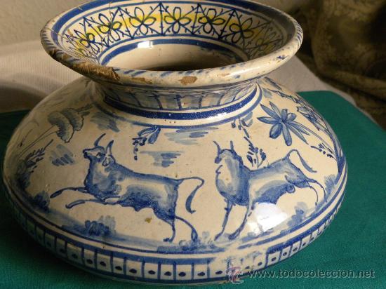 Antigüedades: Escupidera cerámca Triana ( Sevilla) con animales y arquitectura prnc. S. XX - Foto 2 - 30311624