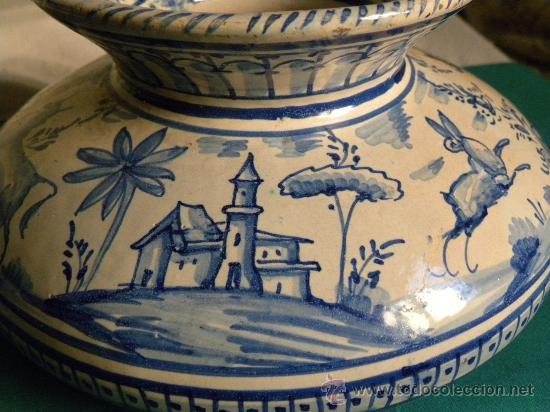 Antigüedades: Escupidera cerámca Triana ( Sevilla) con animales y arquitectura prnc. S. XX - Foto 4 - 30311624