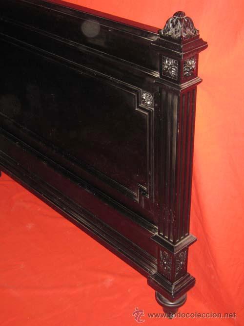 Antigüedades: Cabecero y piecero estilo regencia en madera ebonizado. - Foto 4 - 30359376