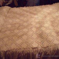 Antigüedades: ANTIGUA COLCHA DE CROCHE A MANO . Lote 30362760