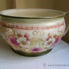 Antigüedades: ANTIGUO ORINAL INGLÉS VICTORIANO STAFFORDSHIRE C.1880 - CON FLORES Y RELIEVES – CHAMBER POT. Lote 30397075