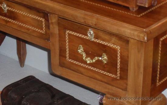 Antigüedades: Mesa antigua de despacho o escritorio. Madera maciza nogal español. 3 cajones. Medida 129x70x 80 - Foto 2 - 30403528