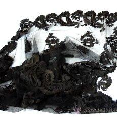 Antigüedades: GRAN MANTILLA DE BLONDA NEGRA MANUAL - S. XIX - ESTUPENDA PIEZA. Lote 30484226
