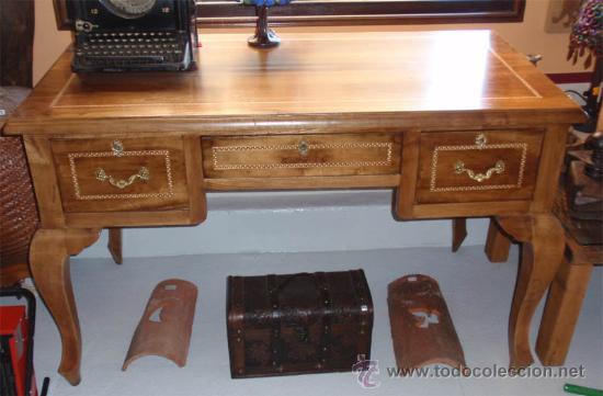 Antigüedades: Mesa antigua de despacho o escritorio. Madera maciza nogal español. 3 cajones. Medida 129x70x 80 - Foto 3 - 30403528