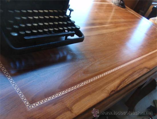 Antigüedades: Mesa antigua de despacho o escritorio. Madera maciza nogal español. 3 cajones. Medida 129x70x 80 - Foto 4 - 30403528