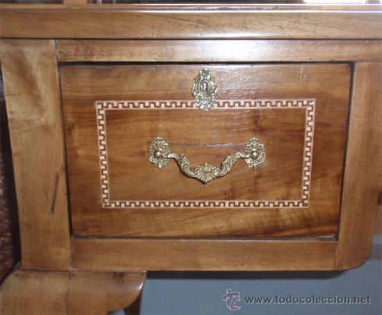 Antigüedades: Mesa antigua de despacho o escritorio. Madera maciza nogal español. 3 cajones. Medida 129x70x 80 - Foto 6 - 30403528
