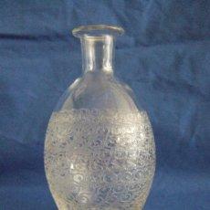 Antigüedades: JARRON BACCARAT - PRECIOSO DIBUJO LABRADO A PIEDRA - S. XIX - SELLO BACCARAT FRANCE Y Nº 65. Lote 30551975
