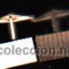 Antigüedades: PAR DE GEMELOS ANTIGUOS CON FORMA RECTANGULAR COLOR ORO. Lote 30672551