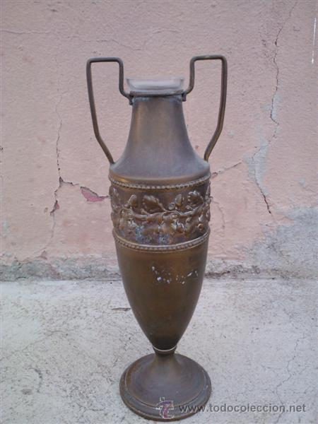 FLORERO DE METAL Y CRISTAL (Antigüedades - Hogar y Decoración - Floreros Antiguos)