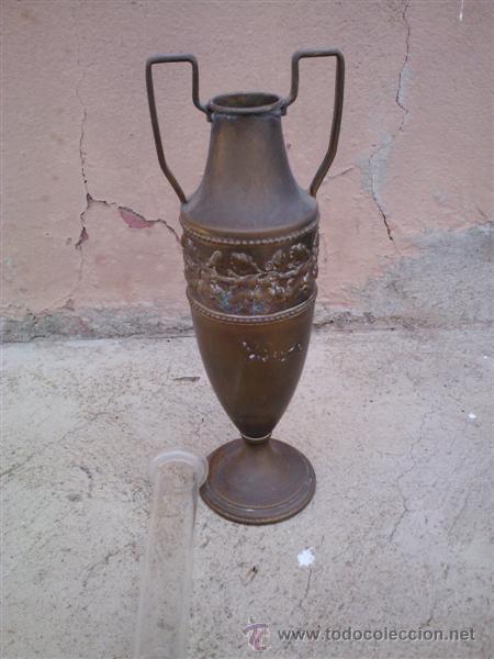 Antigüedades: florero de metal y cristal - Foto 2 - 30692001