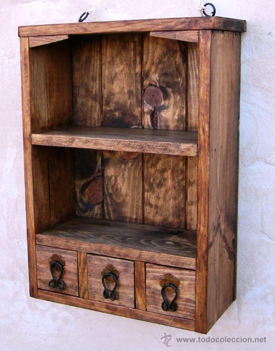 Mueble especiero con 3 cajones y baldas de made comprar for Muebles rusticos de madera