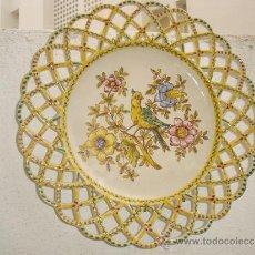 Antigüedades: PLATO DE COLGAR DE CERAMICA. Lote 30731638