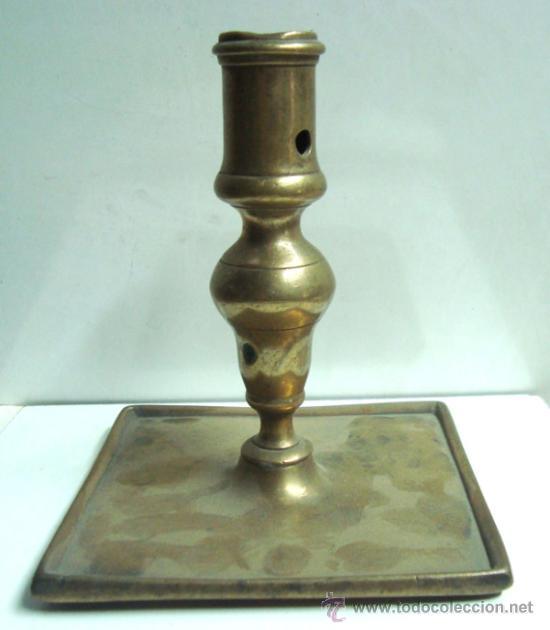 PORTAVELAS ANTIGUA DE BRONCE DEL SIGLO XVIII (Antigüedades - Hogar y Decoración - Portavelas Antiguas)