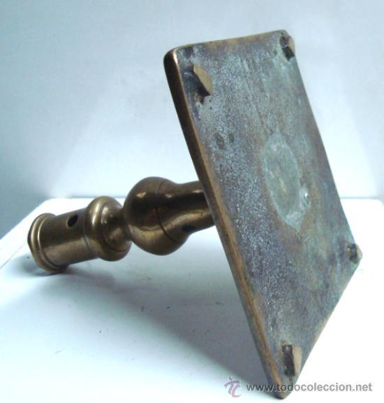 Antigüedades: Portavelas antigua de bronce del siglo XVIII - Foto 2 - 30736841
