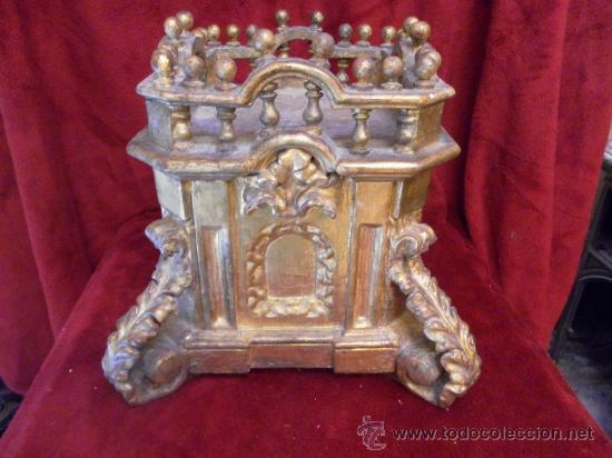 Antigüedades: Sagrario / Custodia. Siglo XVII / XVIII. Madera policromada en dorado. - Foto 6 - 30838526