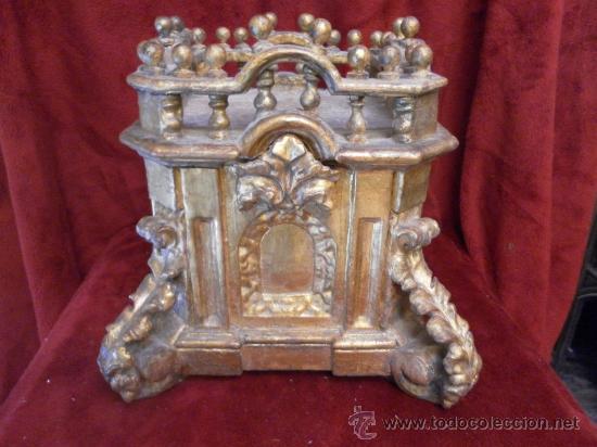 Antigüedades: Sagrario / Custodia. Siglo XVII / XVIII. Madera policromada en dorado. - Foto 7 - 30838526