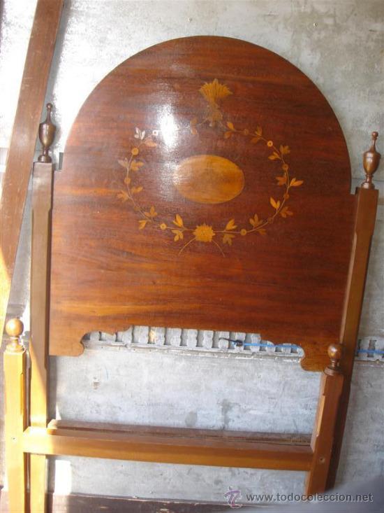 Cama de 90cm en madera de mogno y dibujos en ma comprar - Camas de madera antiguas ...