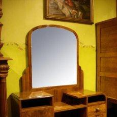 Antigüedades: COMODA TOCADOR ART DECO RAIZ DE NOGAL PP SIGLO XX .. Lote 30901391