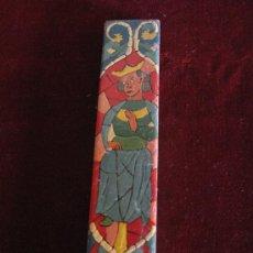Antigüedades: AZULEJO PINTADO EN TECNICA LISA, PERSONAJE MEDIEVAL - SANTA MARIA DE HUERTA ( SORIA ). Lote 30922719