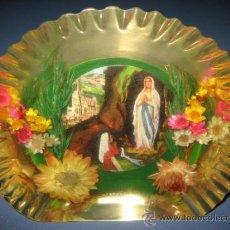 Antigüedades: ANTIGUO SOUVENIR RELIGIOSO - LOURDES - EN METACRILATO. Lote 30990506