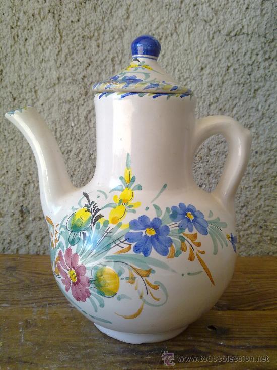 ANTIGUA CAFETERA DE LARIO , PINTADA A MANO (Antigüedades - Porcelanas y Cerámicas - Lario)