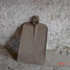 Antigüedades: AZADA NORMAL DE HIERRO SIN MANGO. Lote 31074062