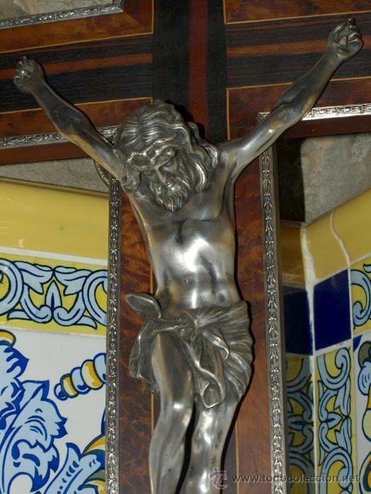 Antigüedades: Cristo bronce plateado. Crucifijo nogal taraceado. . C 1930. - Foto 3 - 31110999