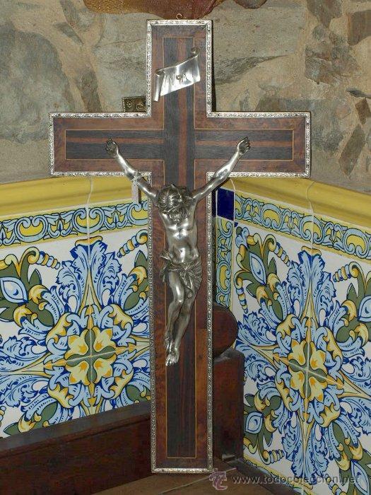 Antigüedades: Cristo bronce plateado. Crucifijo nogal taraceado. . C 1930. - Foto 2 - 31110999