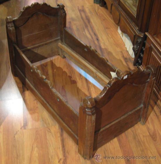 antigua cuna rustica de madera para bebé - Comprar Muebles ...