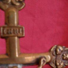 Antigüedades: CRUCIFIJO BRONCE MINIATURA SIGLO XIX. Lote 31135658