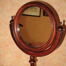 Antigüedades: ESPEJO DE TOCADOR ANTIGUO. BASCULANTE. CAOBA O SIMILAR. 45 CM DE ALTURA. Lote 31145786