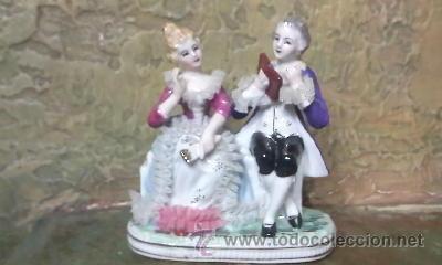 PRECIOSA FIGURA DE UNA PAREJA DE ÉPOCA EN PORCELANA FINA. (Antigüedades - Porcelanas y Cerámicas - Otras)