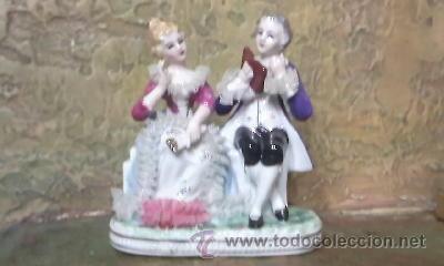 Antigüedades: Preciosa figura de una pareja de época en porcelana fina. - Foto 4 - 31153240